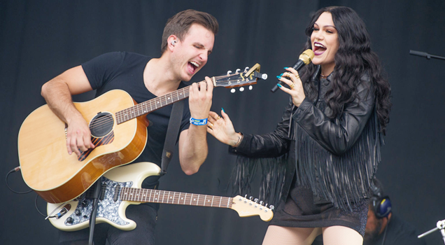 Jessie J T in The Park 2015